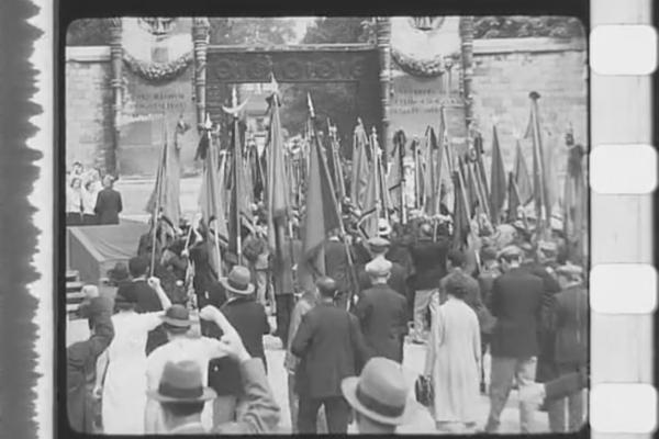 Hommage-1937-défilé 3