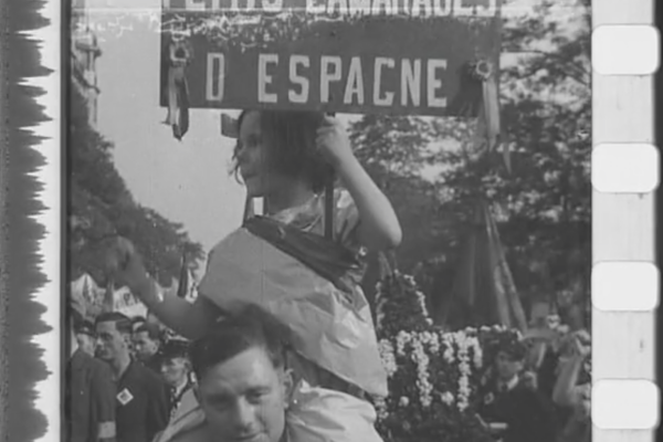 Hommage-1937-defile-espagnet-2